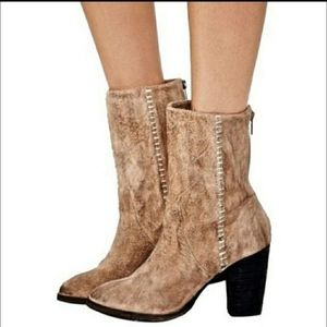 Free People Tan silk city boots❤
